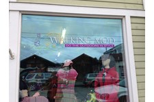 - Custom Grapics - Window Graphics - Walking Mod - La Conner, WA